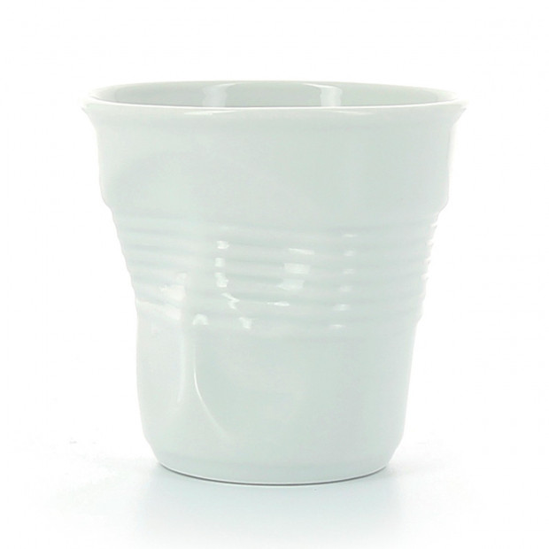 Crumpled porcelain lunch cup